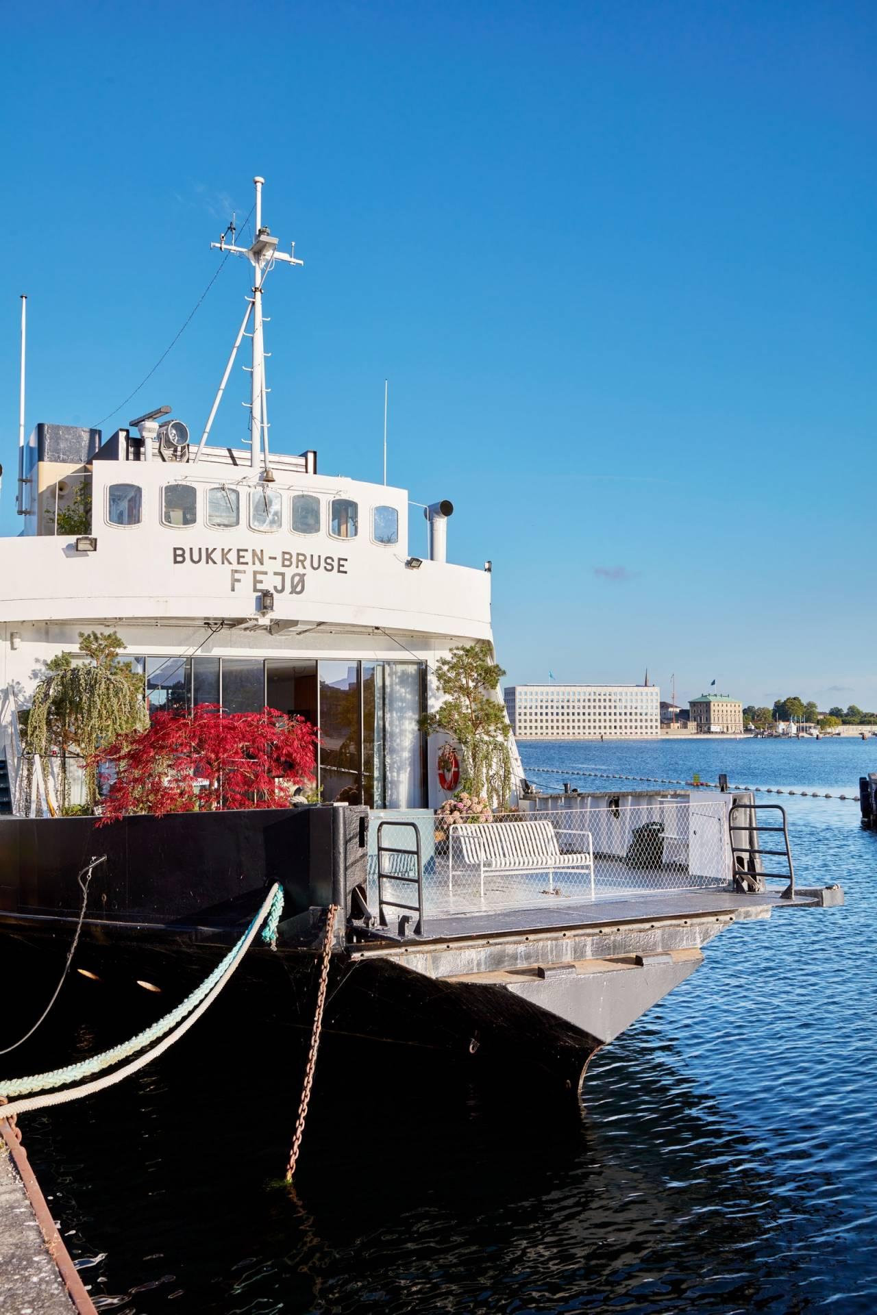 bjarke_ingels_houseboat_foto_pernille_loof_and_thomas_loof_designalive-8