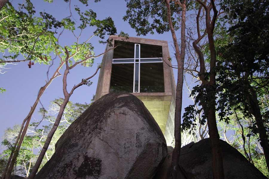 Kaplica niczym zachód słońca