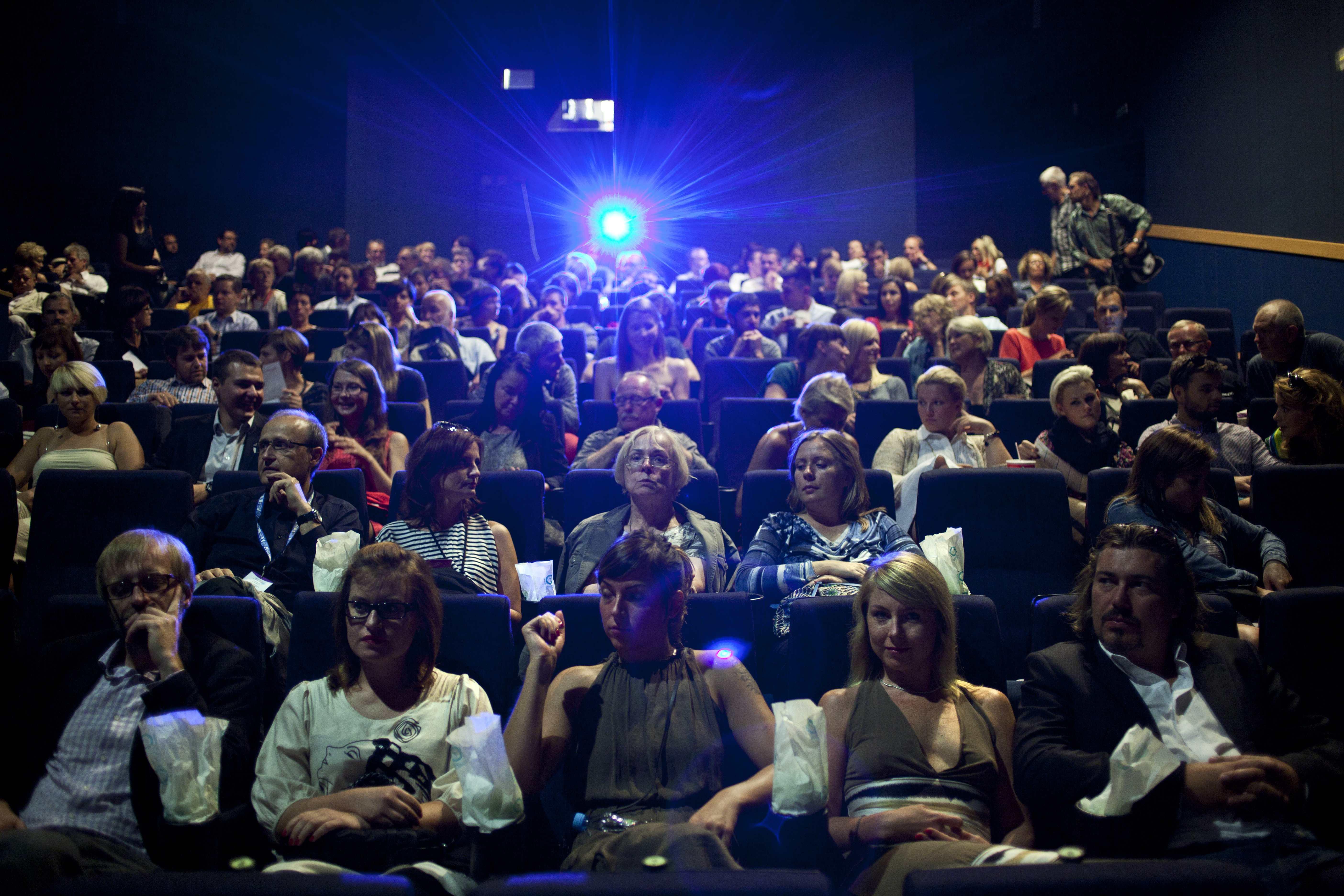 Transatlantyk: Kino na talerzu