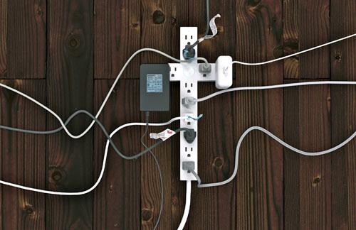 Listwa zasilająca, projekt konceptualny, Alexander Pincus, Means of Production, Stany Zjednoczone, 2010. fot. ARC