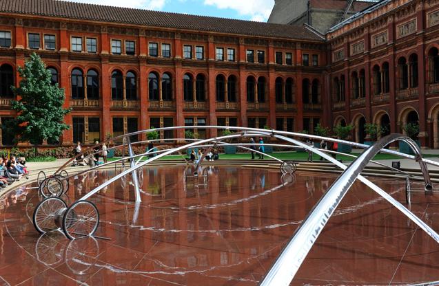 Blow and Roll, instalacja Zięty w Victoria&Albert podczas London Design Festival.. fot. ARC