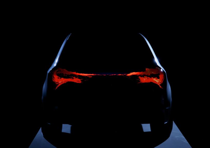 Światła w nowych modelach Audi zareagują na przykład na podchodzącego do własnego samochodu kierowcę, będą się wraz z nim poruszać i pokażą mu istotne kontury lub klamkę drzwi. fot. Materiały prasowe