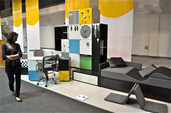 Firma Vox pokazała na targach nowy zestaw mebli młodzieżowych Young Users, nagrodzony zresztą Top Design Award. fot.Wojciech Trzcionka