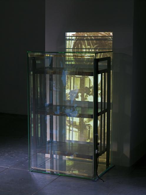 Na ekspozycji monograficznej, pierwszej w dorobku dizanejrki, można zobaczyć projekty z kilku zrealizowanych dotąd serii. fot. ARC