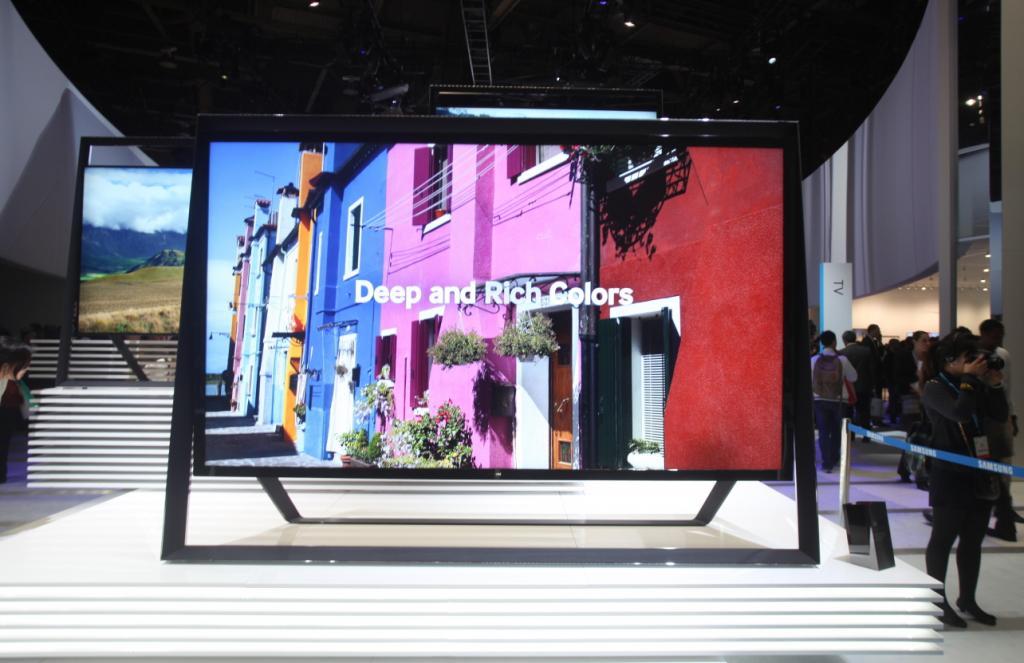 Na targach Samsung po raz pierwszy zaprezentował telewizor UHD o bardzo dużym ekranie. fot. Materiały prasowe