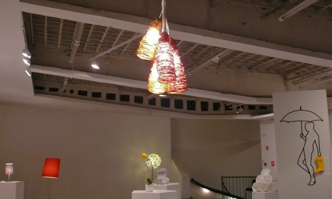 Druciana lampa Grupy Blumberg.