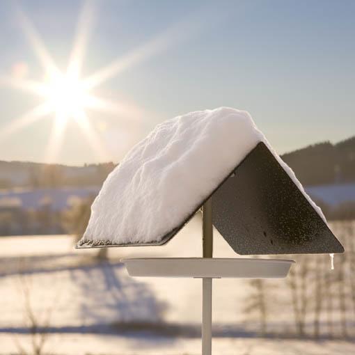 Domek Birdy zaprojektowany przez Michaela Koeniga dla Flora. Cena 72 euro. fot. ARC