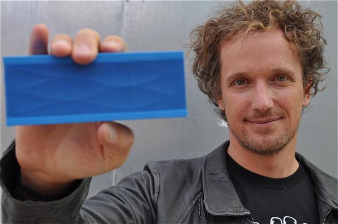 Jambox - bezprzewodowy, przenośny głośnik projektu Yvesa Béhara. fot. Ewa Trzcionka