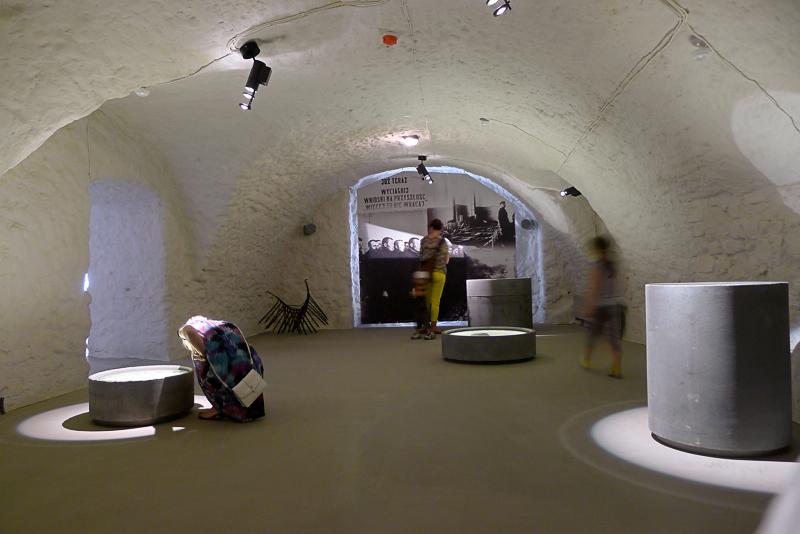 Obok DCK wystartwał też Ośrodek Myśli Patriotycznej i Obywatelskiej, ze znakomitą, bardzo multimedialną stałą wystawą historyczną. fot. Wojciech Trzcionka