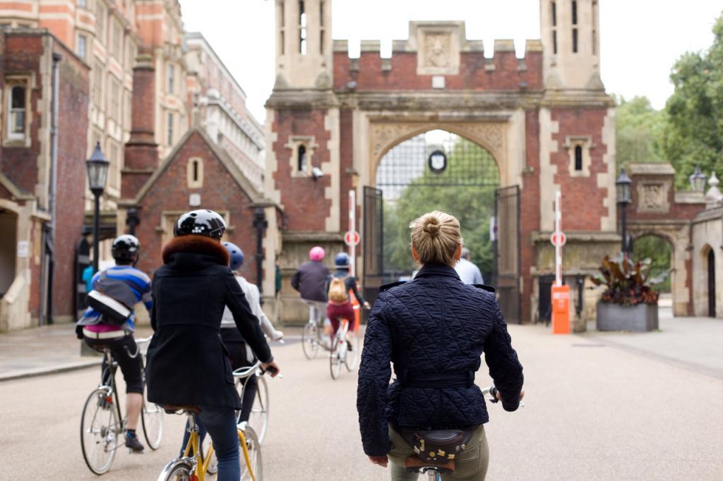 Organizatorzy zaplanowali także Tokyobike tours, czyli wycieczki rowerowe po Brera Design District. fot. Materiały prasowe