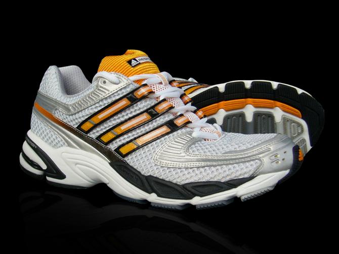 Adidas Orange Response. fot. Materiały prasowe