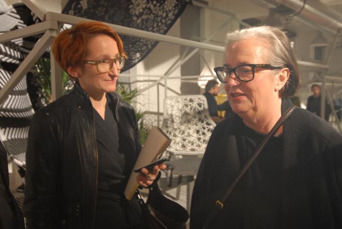 Lidewij Edelkoort (z prawej) w rozmowie z Ewą Trzcionką, redaktor naczelną designalive.pl. fot. Wojciech Trzcionka