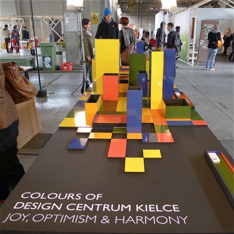DCK promowało się podczas zakończonych właśnie targów deisgnu w Mediolanie w strefie Ventura Lambrate prezentującej najnowsze trendy i najbardziej kreatywnych twórców. fot. Wojciech Trzcionka