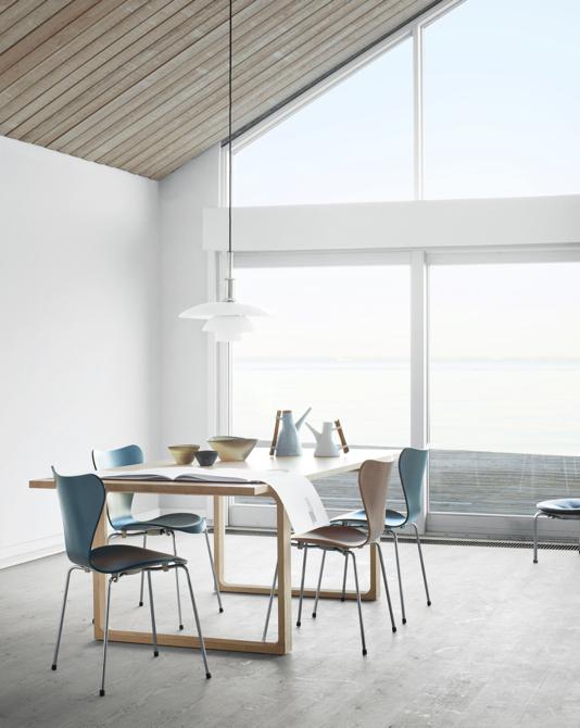 Krzesła kosztują od ok. 500 euro wzwyż, z zależności od użytego materiału i wykończenia. fot. Materiały prasowe