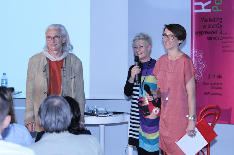 Prof. Michael Fleischer w towarzystwie Katarzyny Świętek, dyrektor marketingu Domaru oraz Ewy Trzcionki, redaktor naczelnej