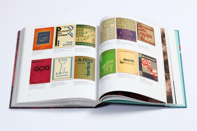 Rypson na ponad 400 stronach opowiada o początkach języka graficznego w Polsce. fot. Materiały prasowe