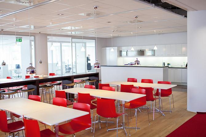 Za przestrzeń nowego biura odpowiadał architekt wnętrz Niklas Wahlstein ze szwedzkiego biura architektonicznego TEA . fot. Materiały prasowe