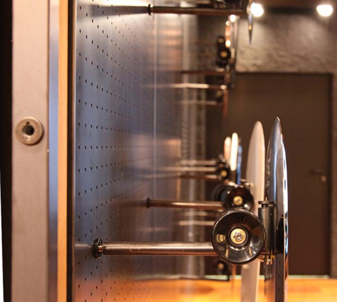 Nadmuchane deski połączono z oryginalnym osprzętem marki Pirelli. fot. Materiały prasowe