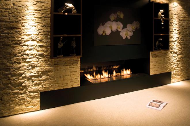 Wkład kominkowy FLA jest optymalnym rozwiązaniem w mieszkaniach, w których nie uwzględniono przewodu kominowego. fot. Materiały prasowe