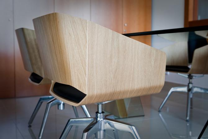 Fotel Woodi stworzony przez markę Sitag. fot. Materiały prasowe
