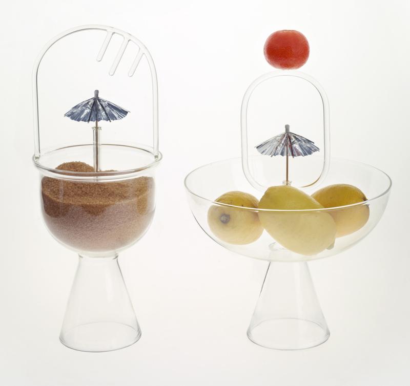 Owoce w szklanych rzeźbach
