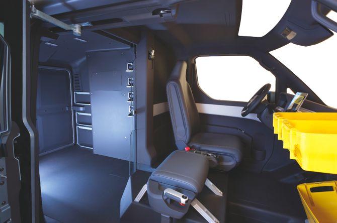 Ten napędzany elektrycznie Volkswagen może poruszać się częściowo automatycznie, można nim także kierować z fotela pasażera. fot. Materiały prasowe