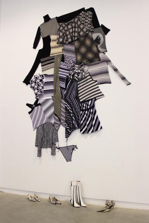 Textile fantasy - kompozycja z ubrań. fot. Eliza Ziemińska