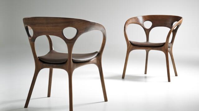 Pierwsze drewniane krzesło Rossa Lovegrove'a