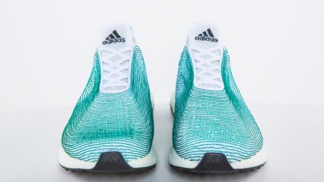 Buty z plastikowych odpadów oceanicznych