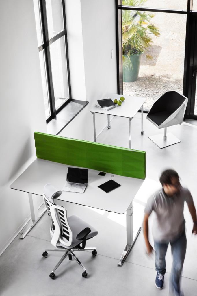 VANK-MOVE-stol-z-regulacja-wysokosci-biuro (3)