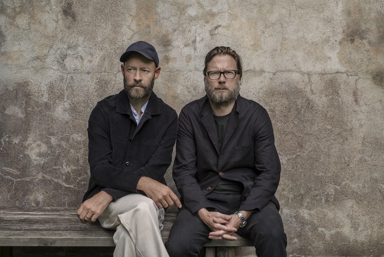 Projekty Magnusa Elebäcka i Chrisa Martina z Massproductions cechuje elegancja i nowoczesność. Obu projektantów spotkamy w Poznaniu.