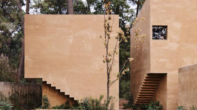 Minimalistyczna architektura i kolory gorącej ziemi. Weekendowe domy marzenie!