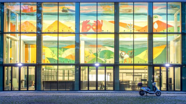 Uznana artystka Alicja Biała stworzyła w Concordii Design ogromny współczesny fresk