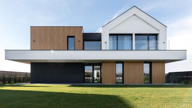 Slab House: Dom dla fanów nowoczesnej architektury i… klocków LEGO