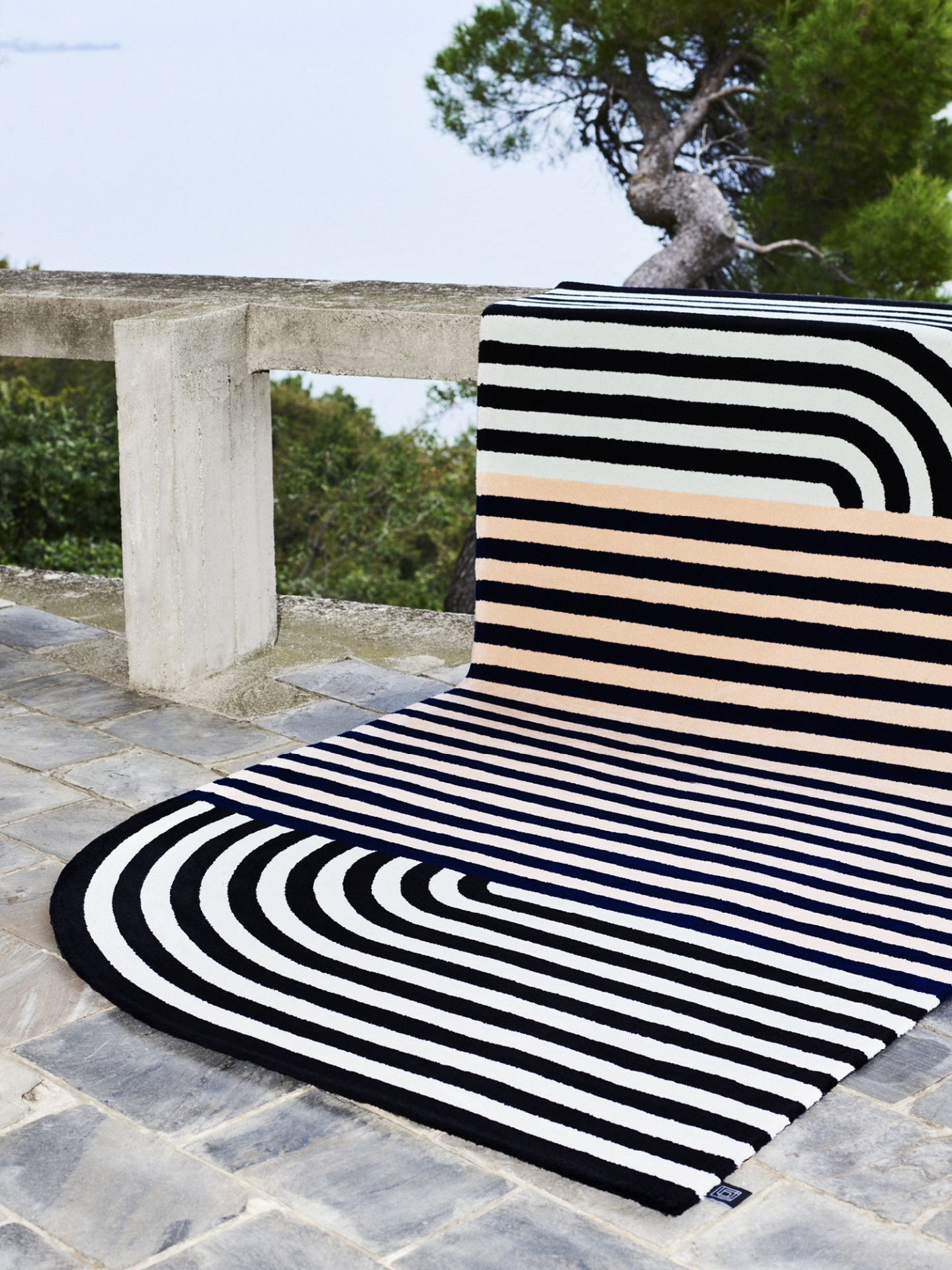 Carpet-Edition_Roquebrune_photo-Omar-Sartor_designalive-4