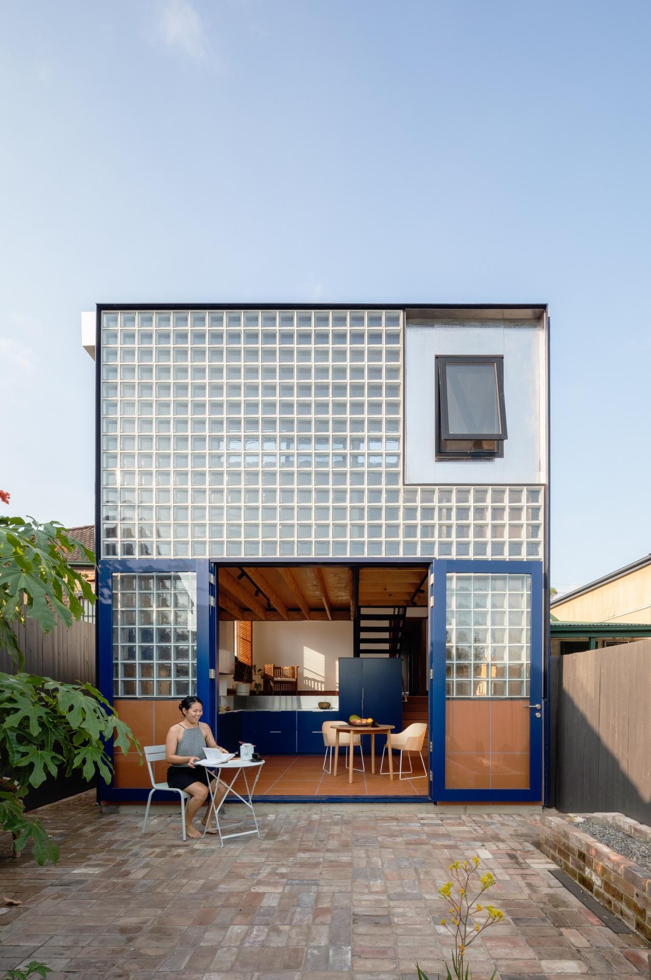 glassbook_house_designalive-11