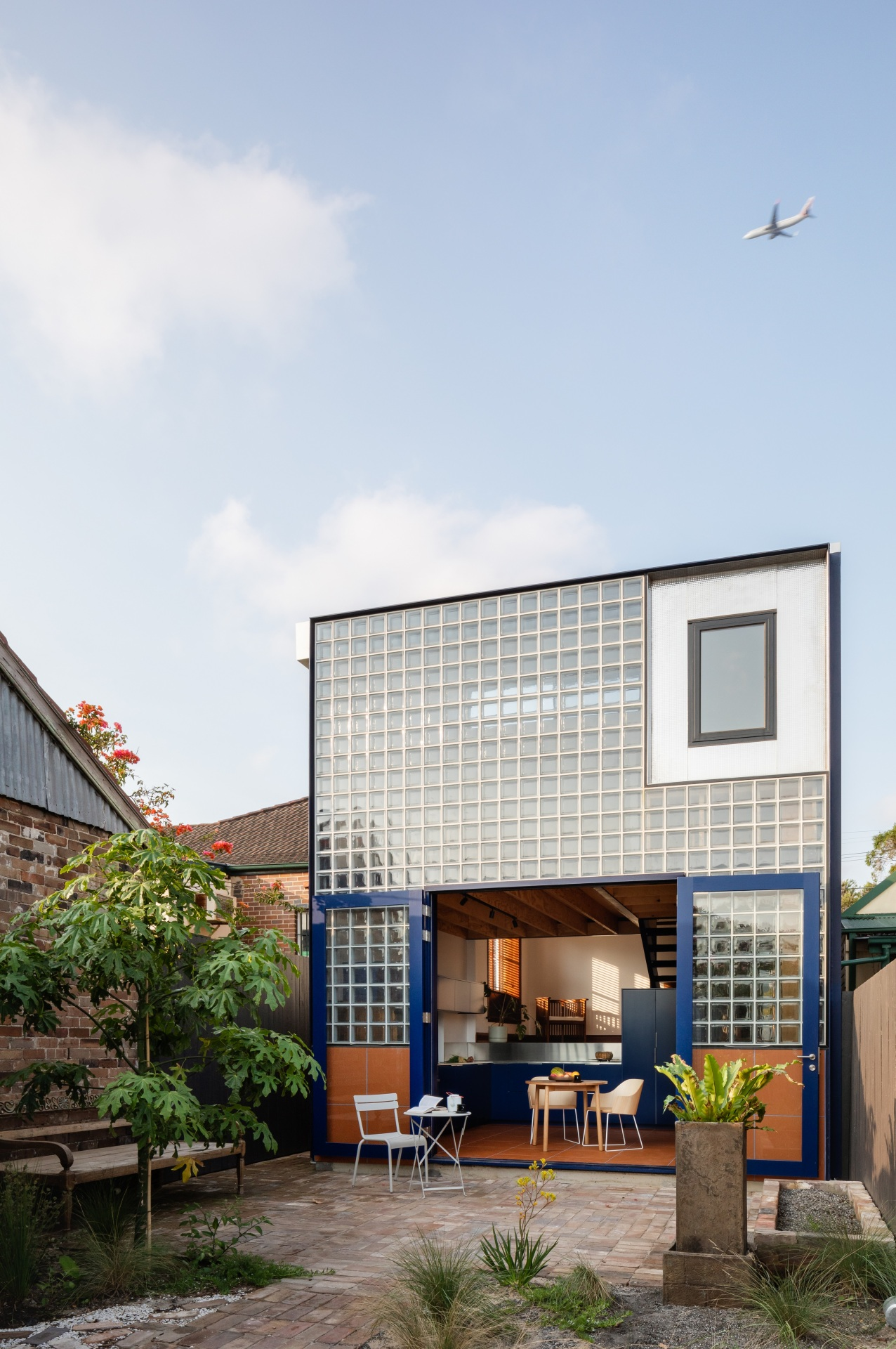 glassbook_house_designalive-12