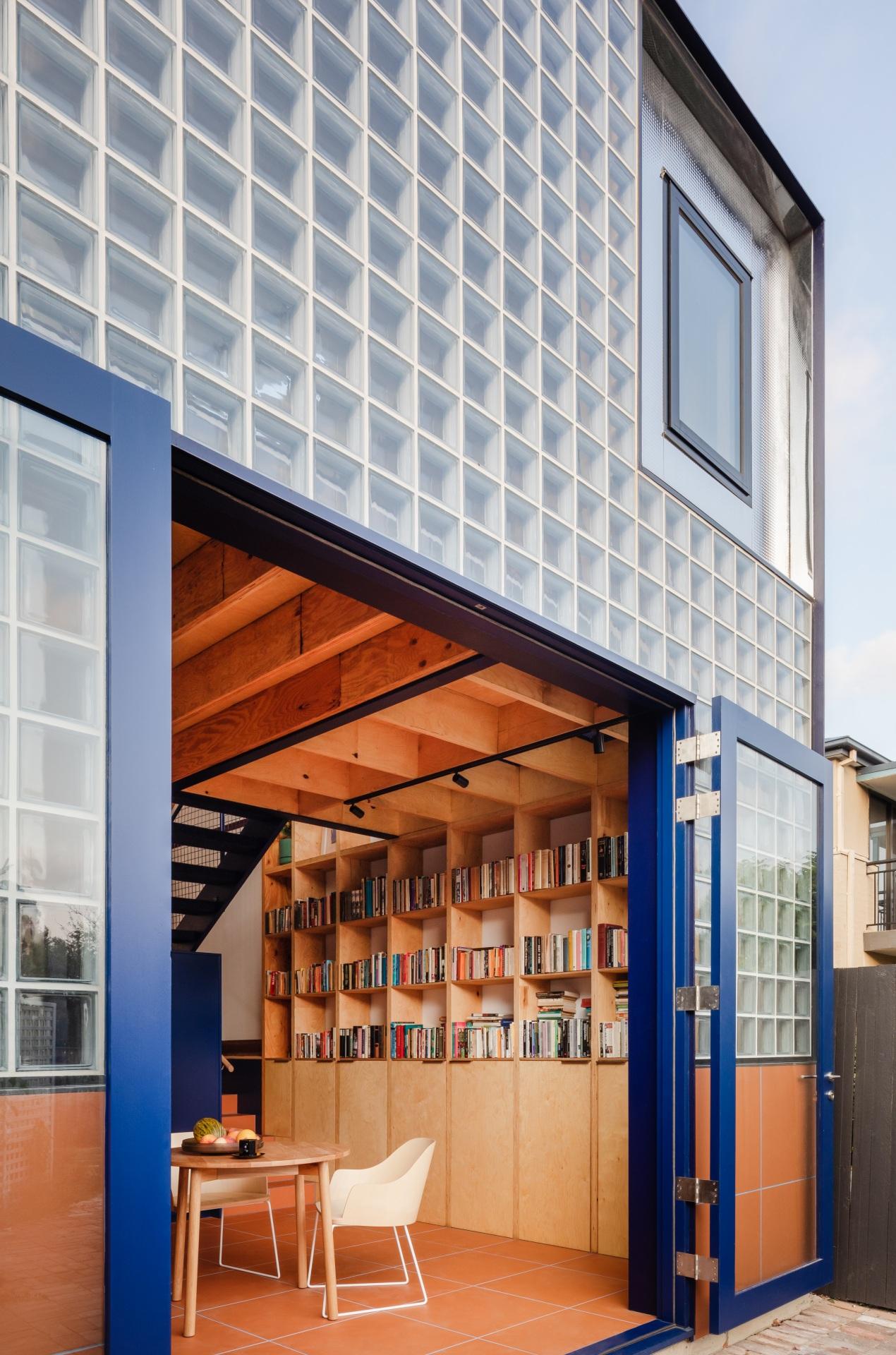 glassbook_house_designalive-13