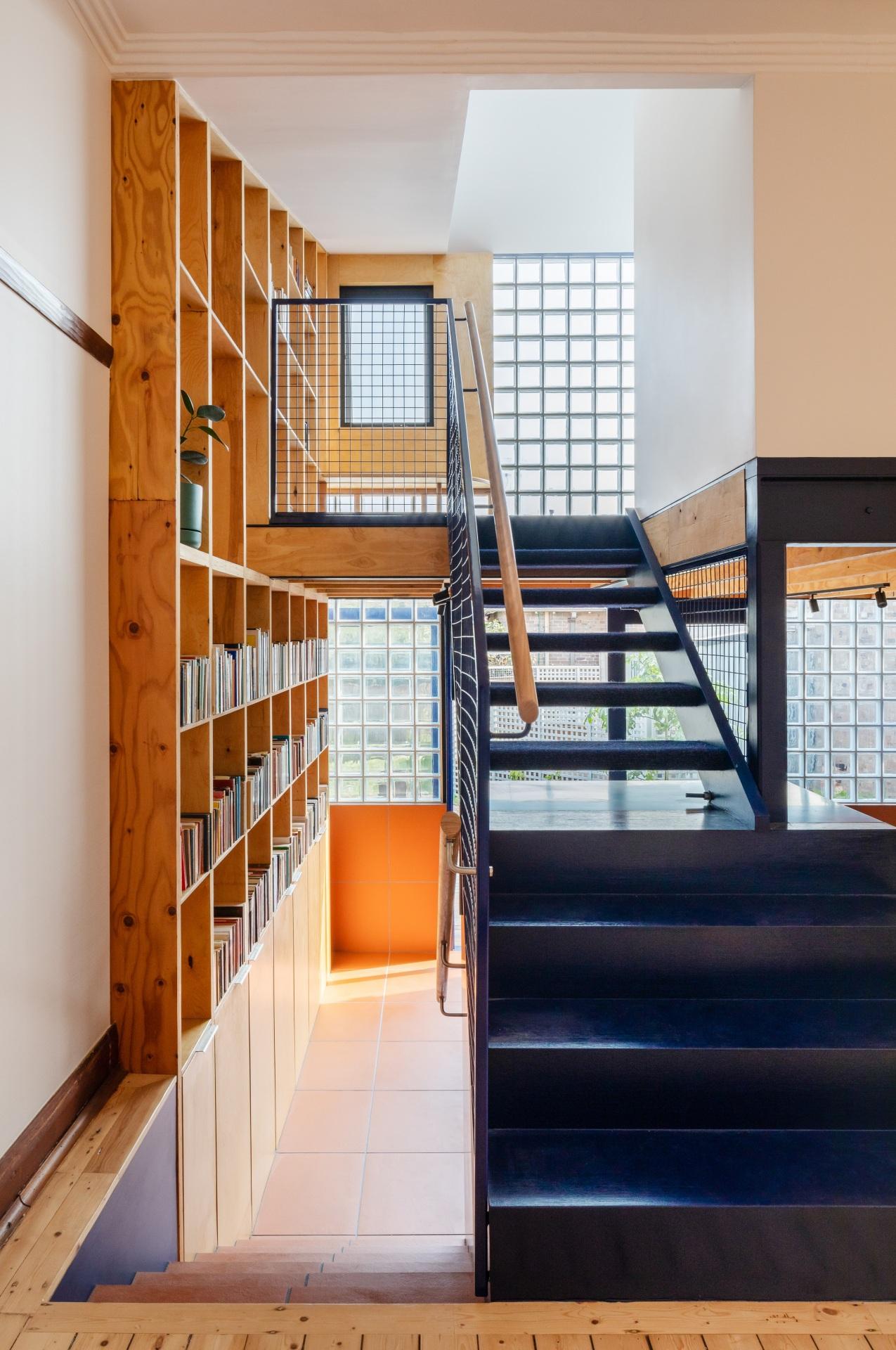 glassbook_house_designalive-4
