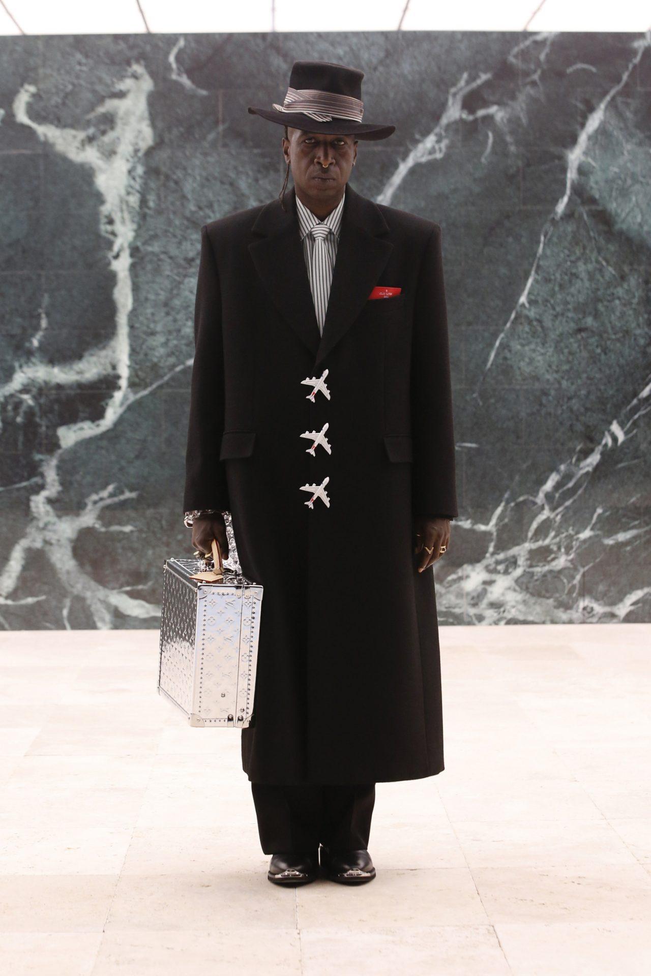 Louis-Vuitton-Mens-Fall-architecture-jackets-virgil-abloh-men-fw-2021-designalive-14