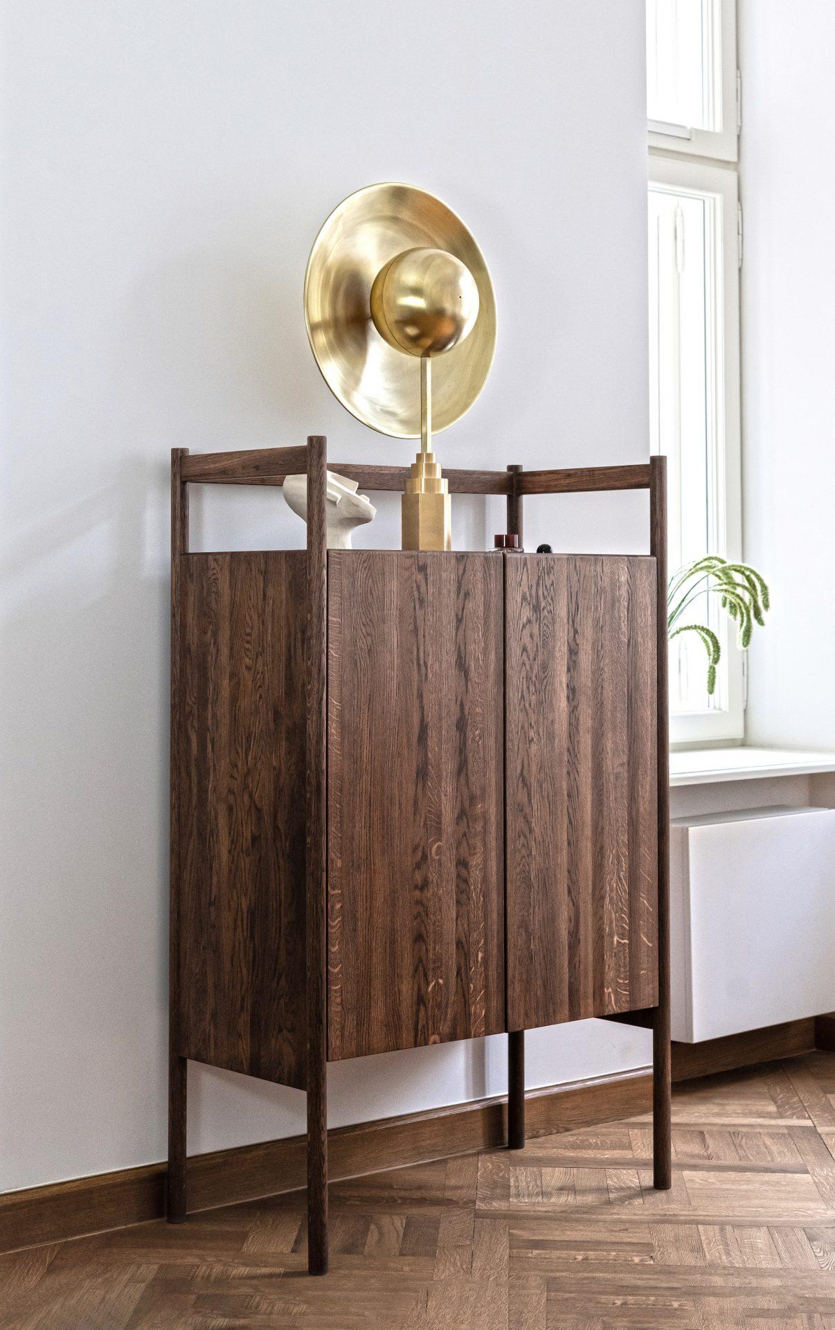 Metropoli_-FONDU-Furniture_designalive_Komoda-Impero-orzechowy-dab
