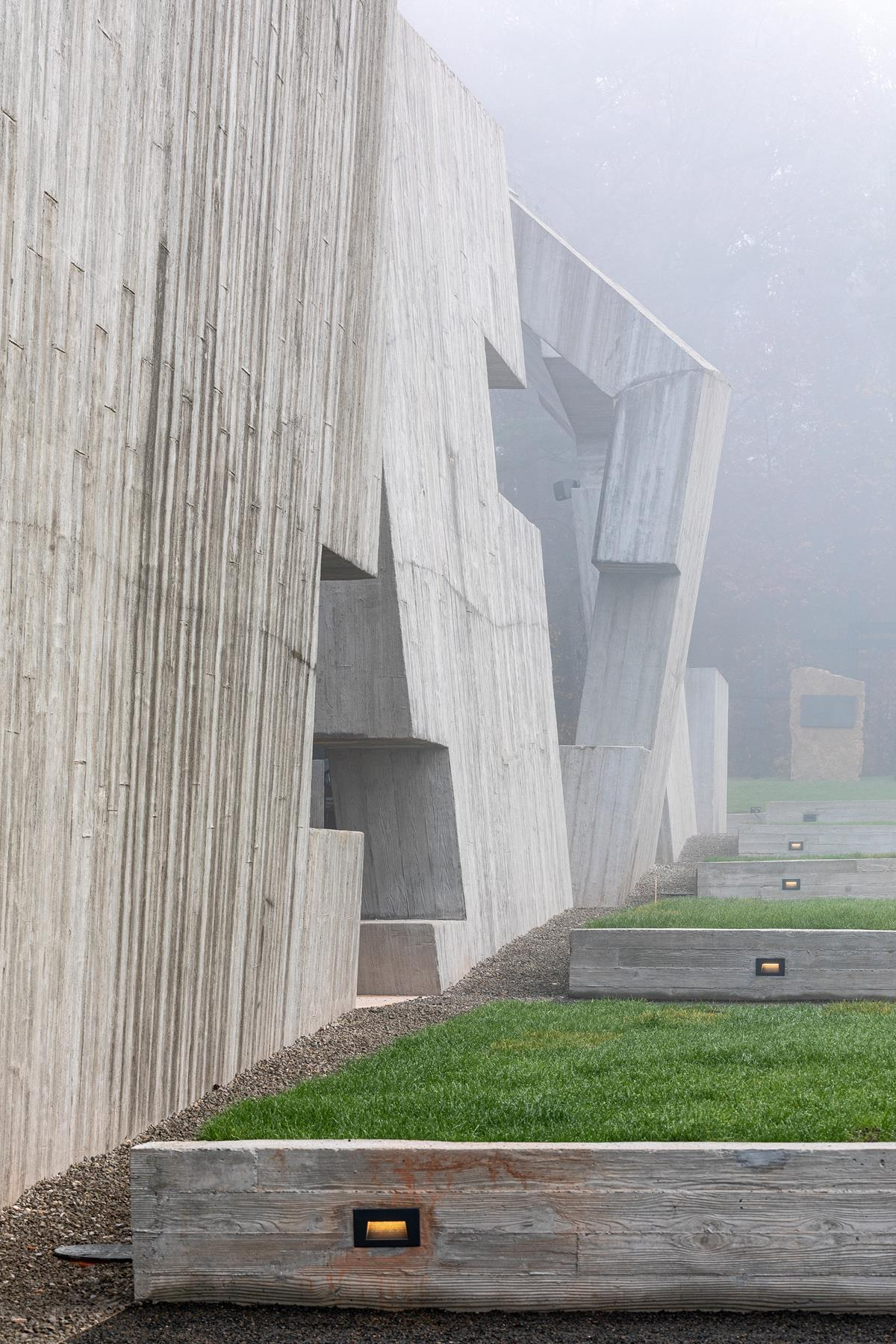 Nizio-Design_Mausoleum_fot-Marcin-Czechowicz_designalive-5