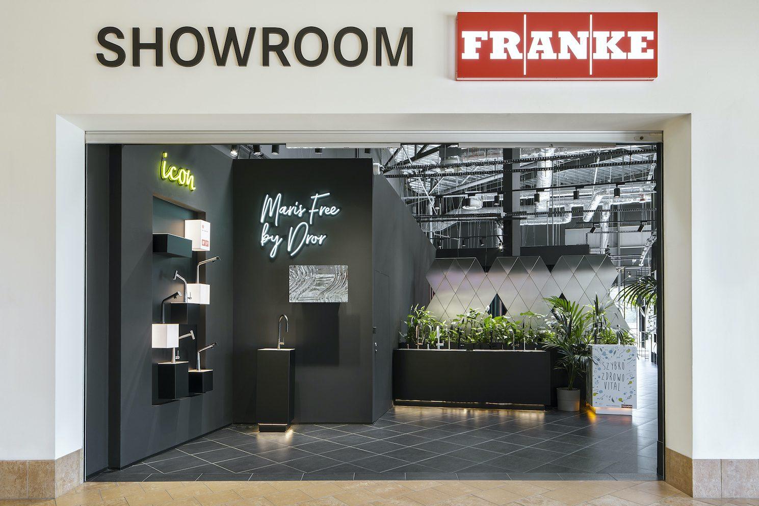 1-Showroom_Franke_Homepark_Janki_fot_Yassen_Hristov