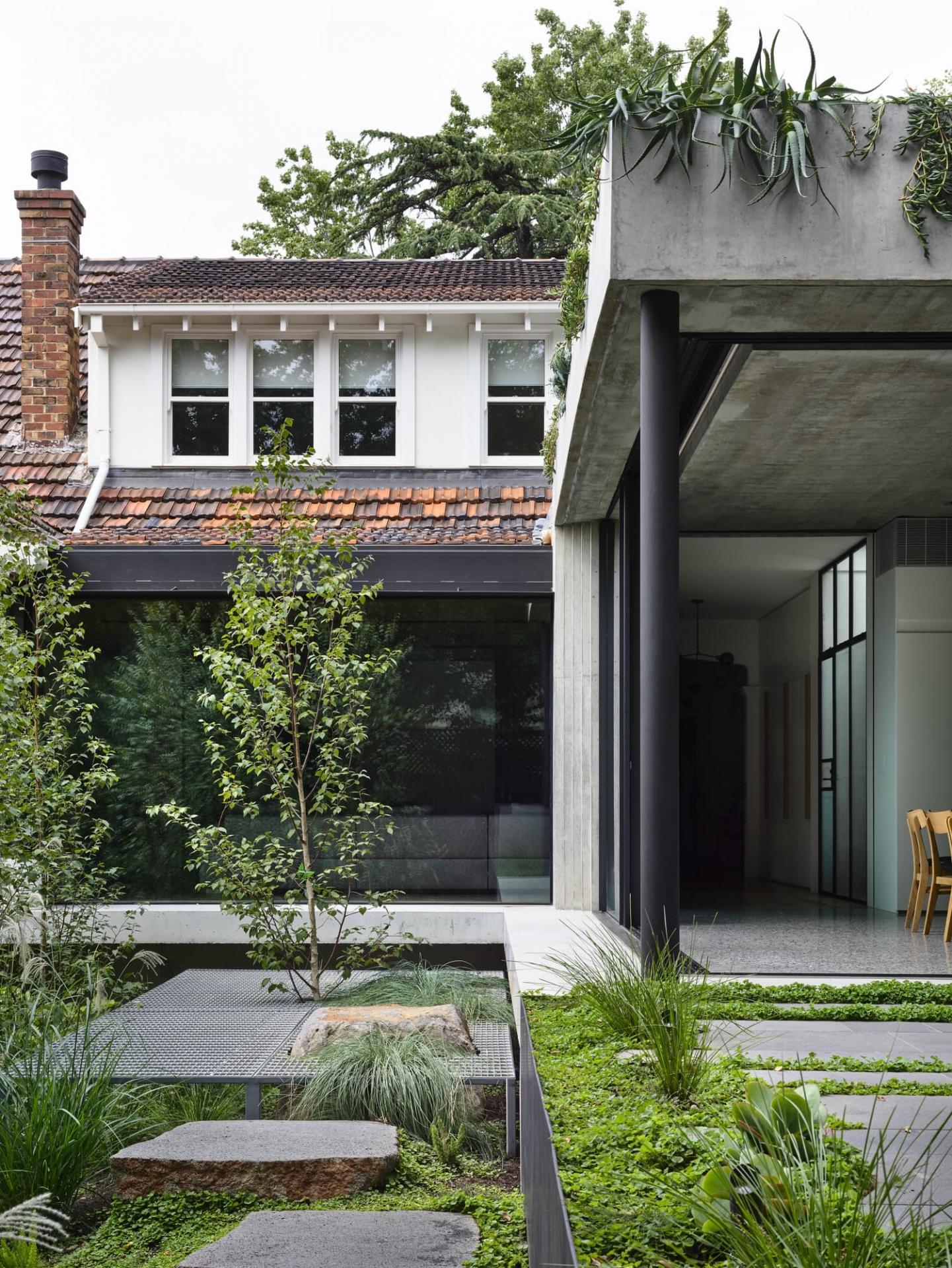 Taylor-Knights-Malvern-Garden-House-designalive-3