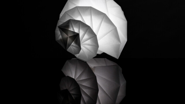 Światło zamknięte w rzeźbie