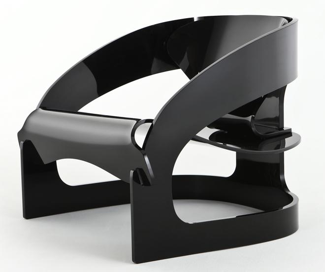 Pierwowzór stworzył włoski projektant Joe Cesare Colombo, i już w latach 60. jego fotel stał się przebojem. fot. Materiały prasowe
