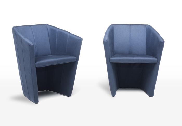 Tapicerowany fotel Fold. fot. Materiały prasowe