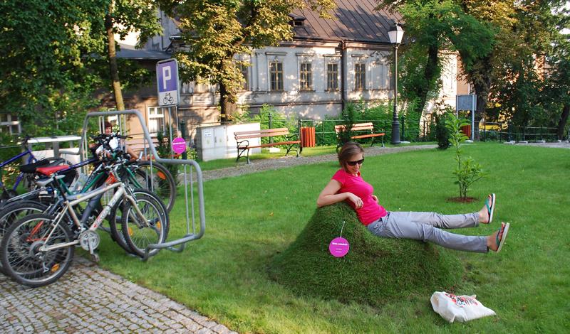 Wystawa wyszła też przed cieszyński Zamek. fot. Daria Guba