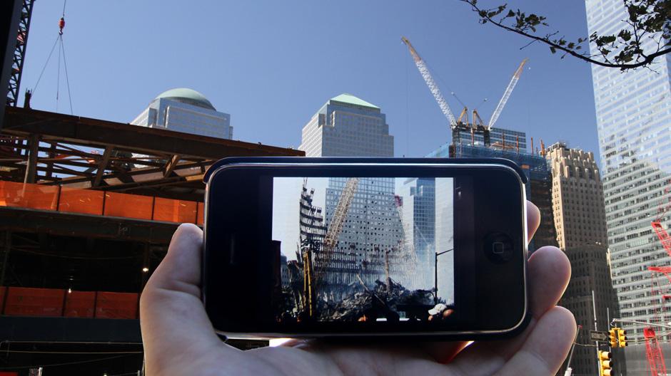 Aplikacja jest Augmented Reality, dzięki któremu zdjęcia nakładają się na obrazy z kamery aparatu. fot. ARC