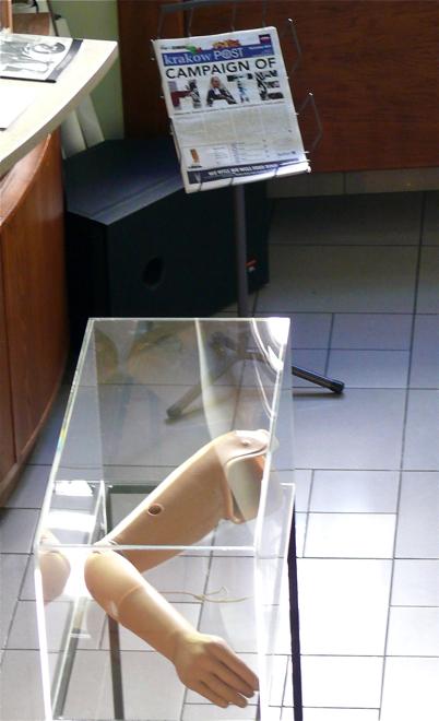 Protezy odtwarzają rozmaite elementy ludzkiego ciała, m.in. przedramię. fot. Marcin Mońka